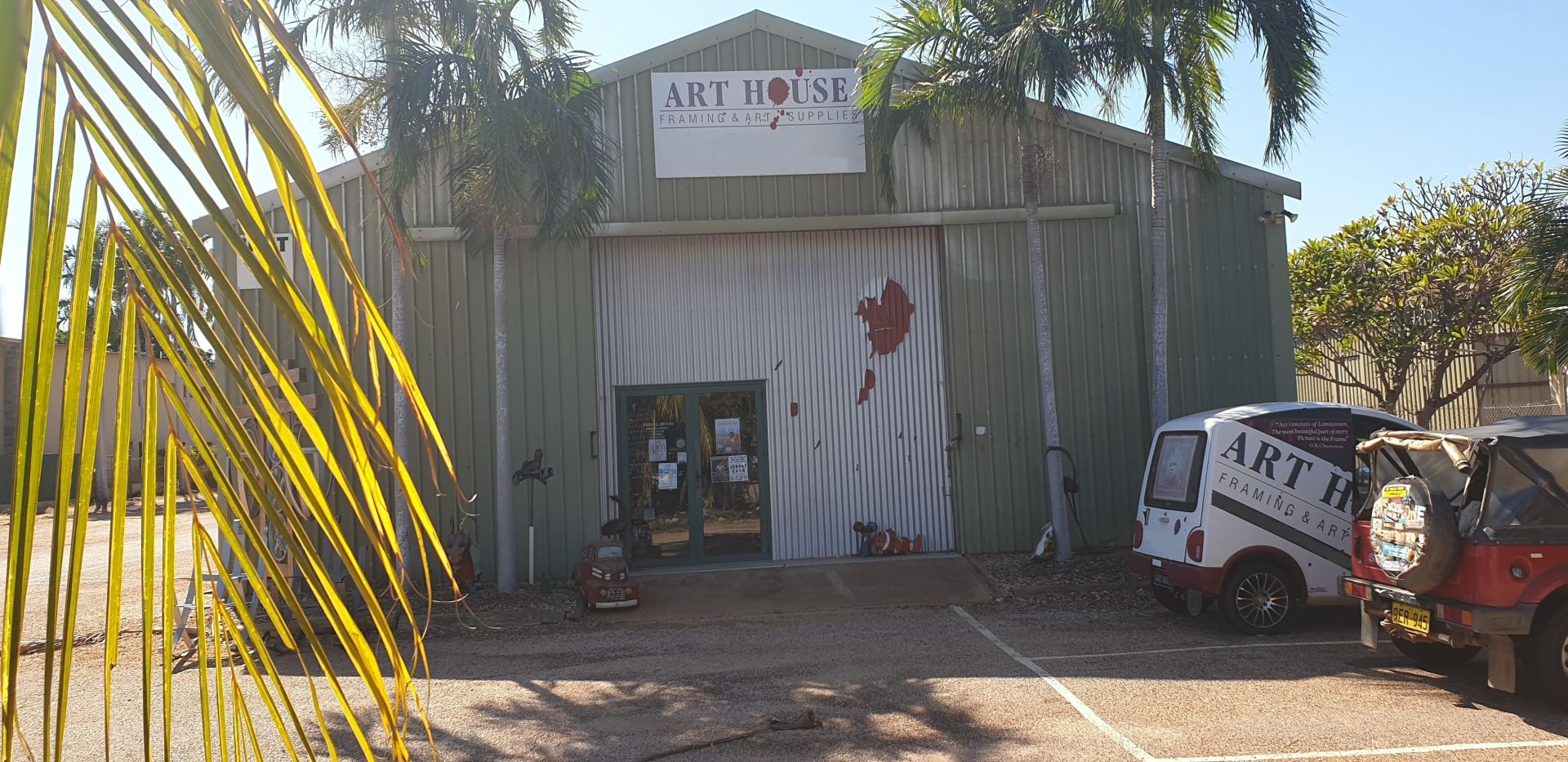 ART HOUSE BROOME - LARGEST