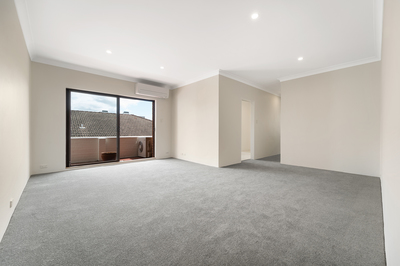 Large and bright 2 bedroom apartment