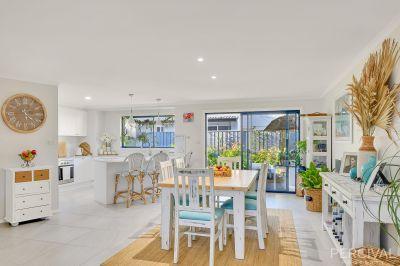 Coastal Vibe Lifestyle Apartment with a Tropical Paradise Garden