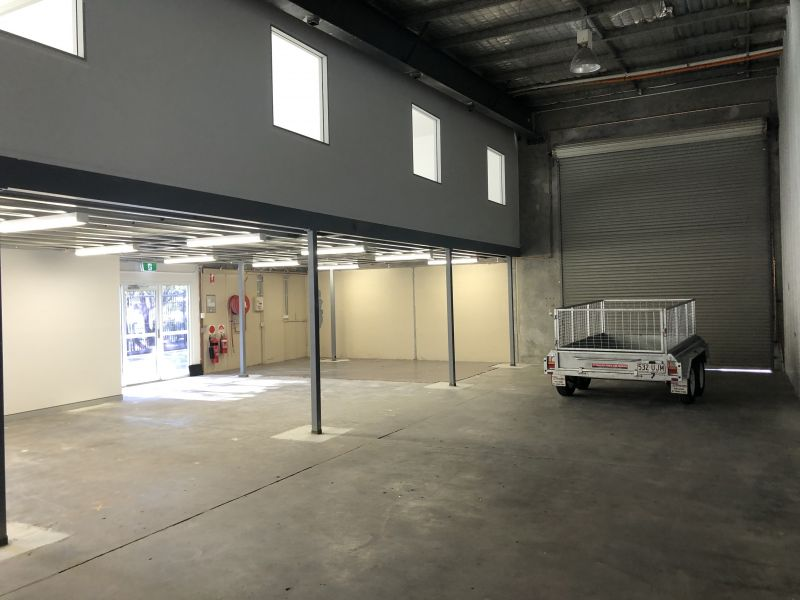 INDUSTRIAL WAREHOUSE / OFFICE WITH ADDITIONAL CONCRETE HARDSTAND