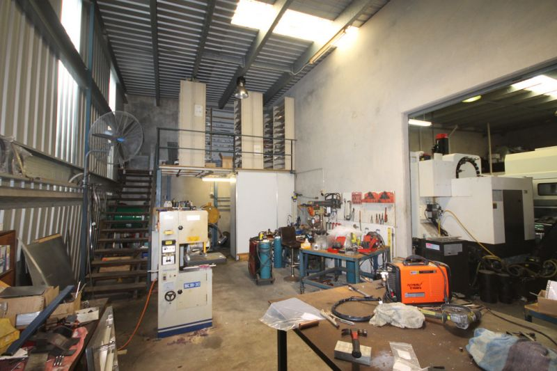FOR LEASE - SHORE STREET INDUSTRIAL UNITS