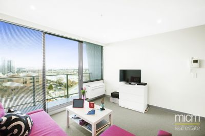 Bright and Modern Pad in Flagstaff Place