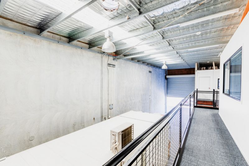 HIGH QUALITY INDUSTRIAL WAREHOUSE AND OFFICE FOR SALE