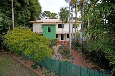 Family Living at it's best - Privacy, Presentation & Price