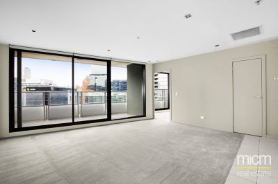 Victoria Point: Bright Victoria Point Pad Near Etihad Stadium!