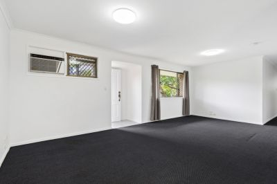 Neat & Tidy Home in central location