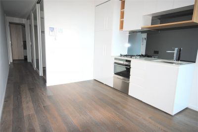 The Carlson: Fantastic Two Bedroom Apartment in the Heart of Melbourne!