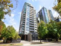 Stunning apartment with free gas and option to lease furnished or unfurnished!