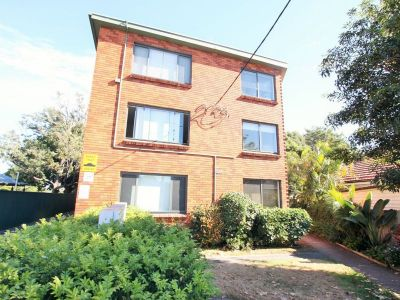 Fully Furnished Two Bedroom Top Floor Unit *NEW KITCHEN*