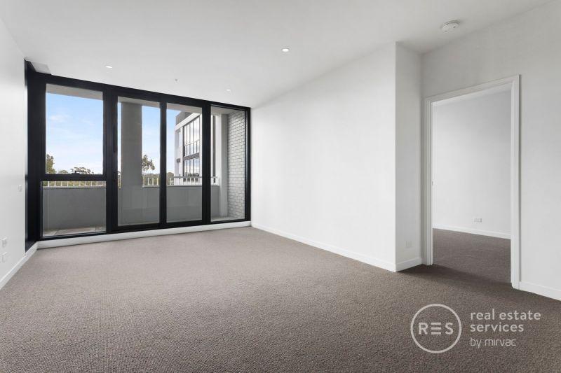 Stunning 2-bedroom apartment overlooking parklands
