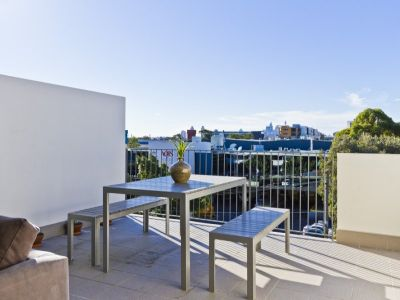 2 STORY 1 BED PLUS STUDY ON TOP FLOOR (96SQM)