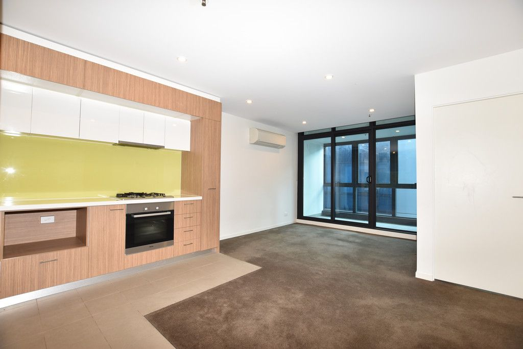 Melbourne Star: 36th Floor - Three Bedroom Apartment in Perfect CBD Location!