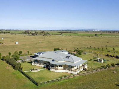 Stunning You Yangs Views - 164 acres