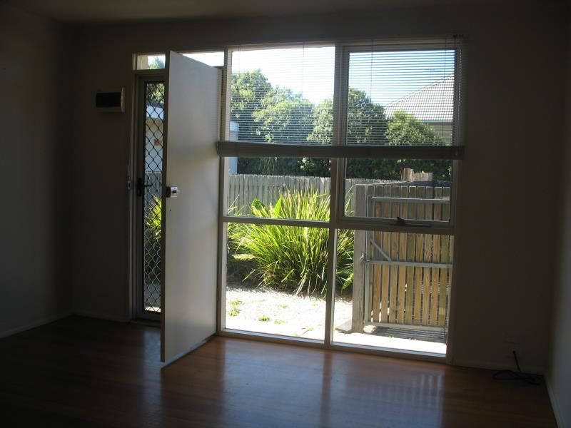 3/28 Breakwater Road East Geelong