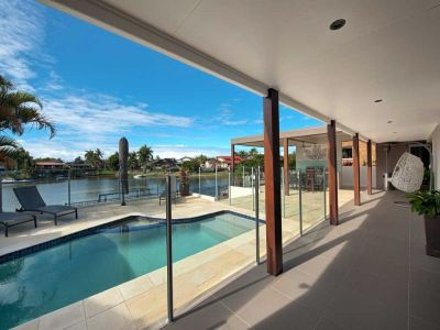 Exquisite Waterfront Home - Just off Main River