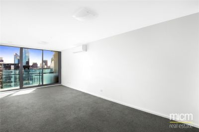 Mainpoint: 39th Floor - Stunning Sky High Views!