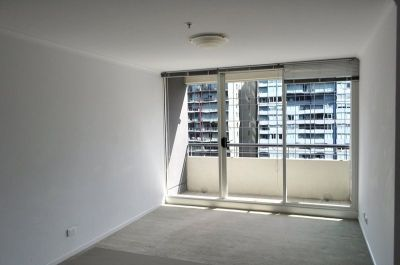 City Condos: 15th Floor - Fantastic Central Location!