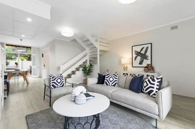 Sophisticated Townhome In Peaceful Enclave, Walk Into Chatswood