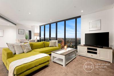 A 36th Floor Masterpiece in Yarra's Edge