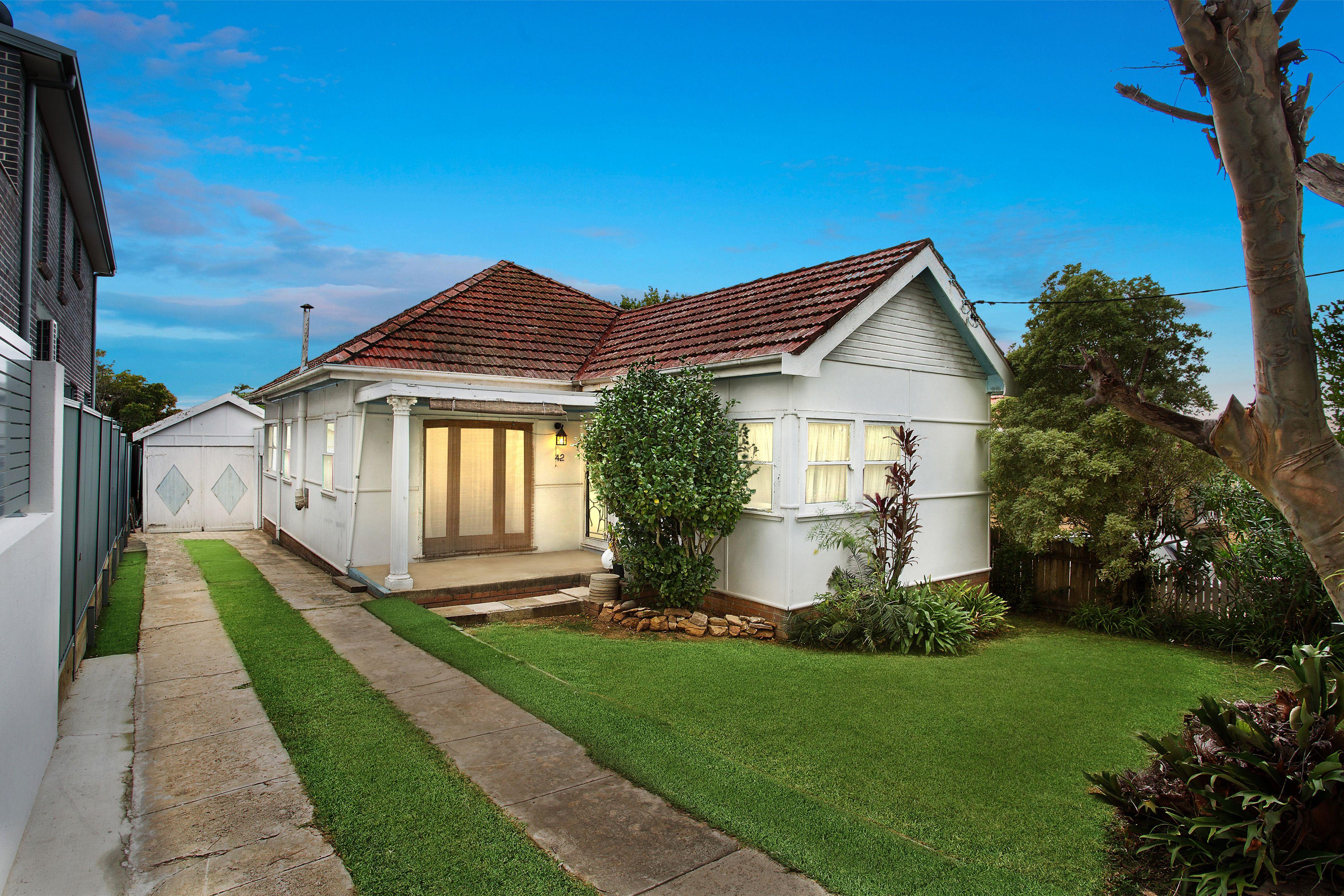 42 Armitree Street, Kingsgrove NSW 2208