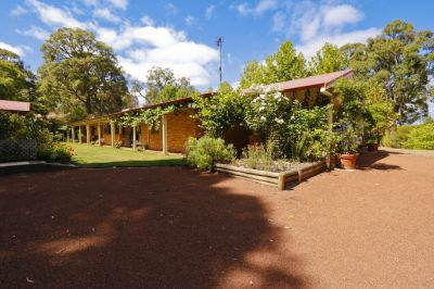 REDUCED - BEAUTIFUL FAMILY HOME