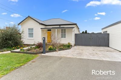 22 Station Road, Lilydale