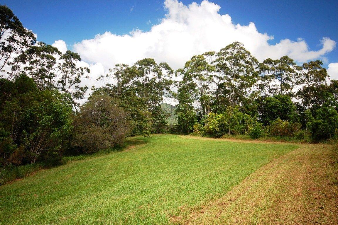 21 Gumboil Road, Lake Macdonald QLD 4563