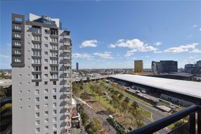 Partially Furnished Vue Grande One Bedroom Apartment in Fantastic Southbank Location!