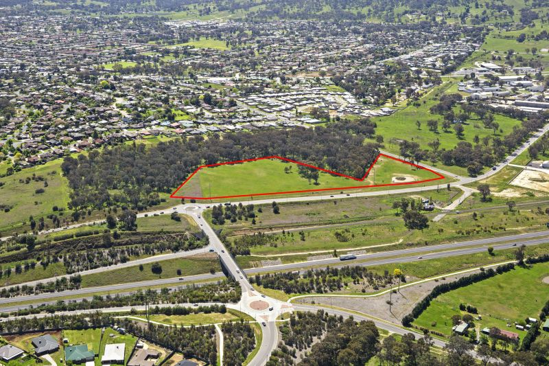 Significant 4.38ha Parcel - Zoned R1