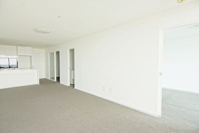 MAINPOINT, 32nd floor - 2 Bedroom Apartment on 32nd Floor with Bay Views!
