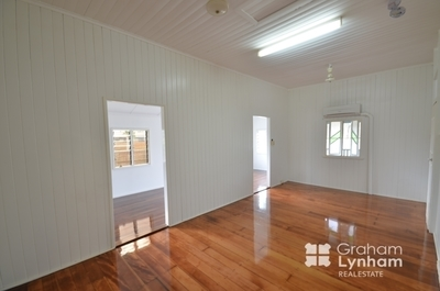 Classic Charm on 2 Hectares and Room for a Horse or 2
