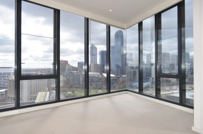 Vue Grande: 26th Floor - Live in Luxury!