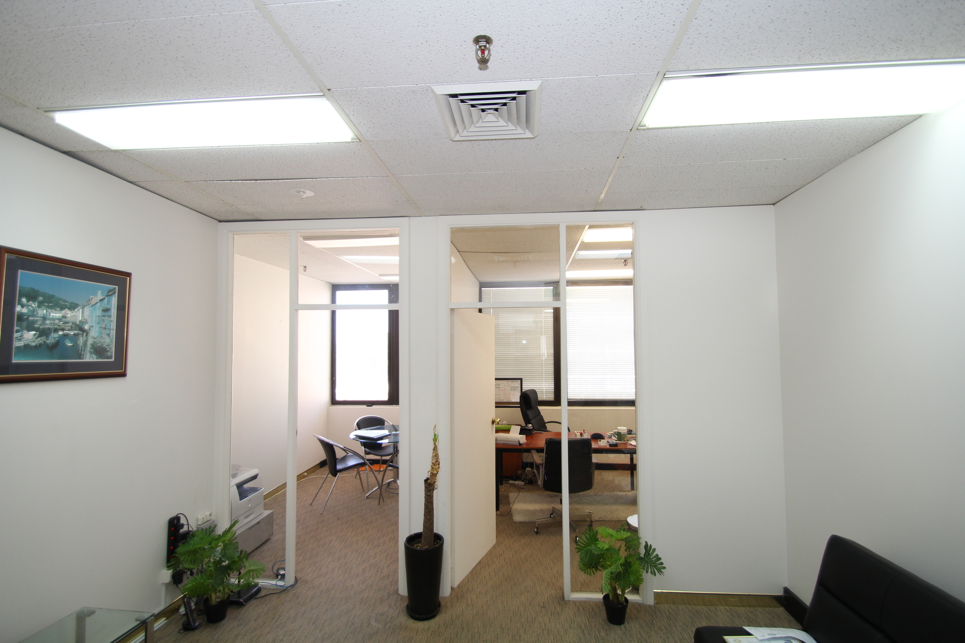 AFFORDABLE COMPACT OFFICE SPACE IN THE HEART OF BONDI JUNCTION