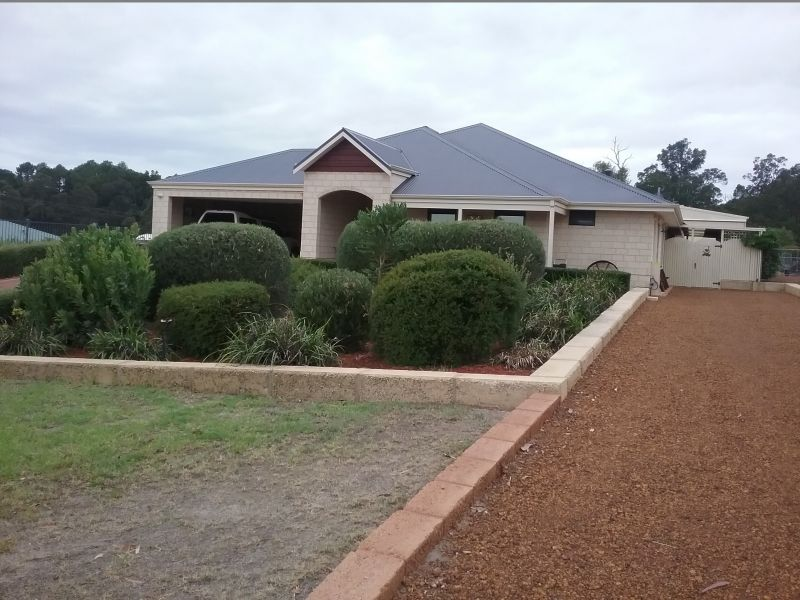 EXECUTIVE LIVING IN MELDENE ESTATE!