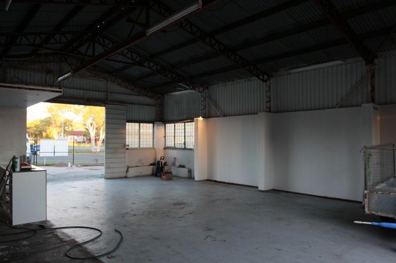 183m2 Warehouse across 2 units