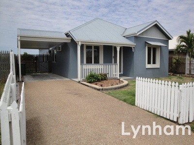 Central 3 Bedroom Home With In-Ground Pool