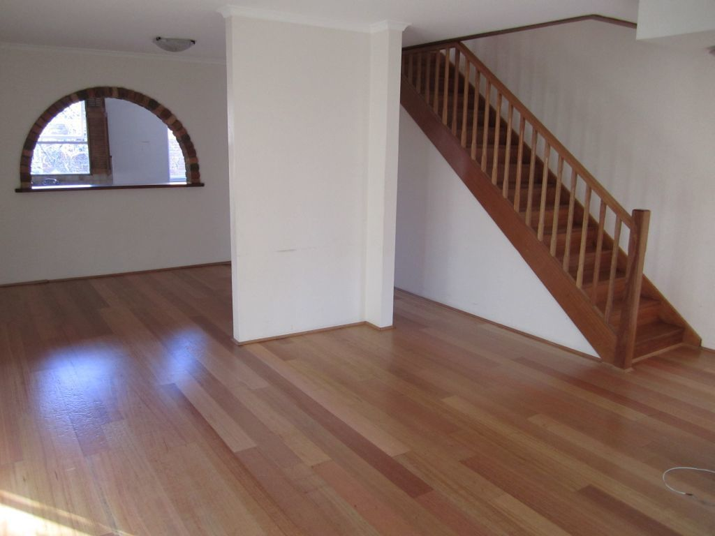 SPACIOUS TOWNHOUSE JUST A STROLL FROM EDGECLIFF STATION.
