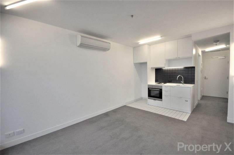 Bright Two Bedroom Apartment!