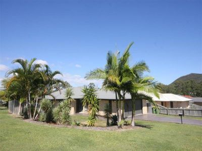 Modern 5 Bedroom Family Home - BEERWAH