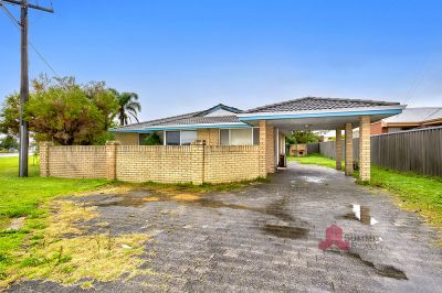 GREAT UNIT WITH PARK AND SEASIDE LIVING