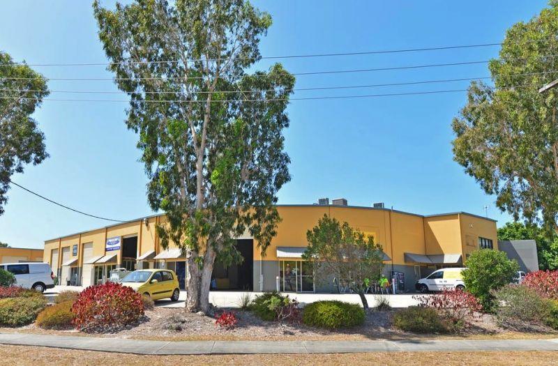 Clean & Tidy Warehouse/Office Combo | Kawana Industrial Estate