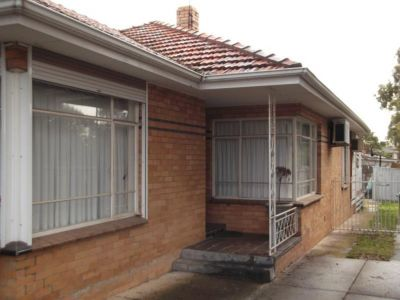 THREE BEDROOM HOUSE IN QUIET LOCATION
