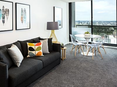 Large Open Spaces: Two Bedroom Apartment with Stunning CBD Views!