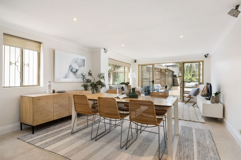 Sun-Drenched Family Haven With A Beach House Vibe Approx.150m To The Beach