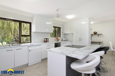 LOOKING FOR A GREAT INVESTMENT PROPERTY THAT IS ALREADY RENOVATED WITH A GOOD TENANT?