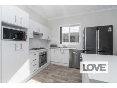 Modern Renovated Home in Central Lakeside Suburb - Offers Over $410 per week