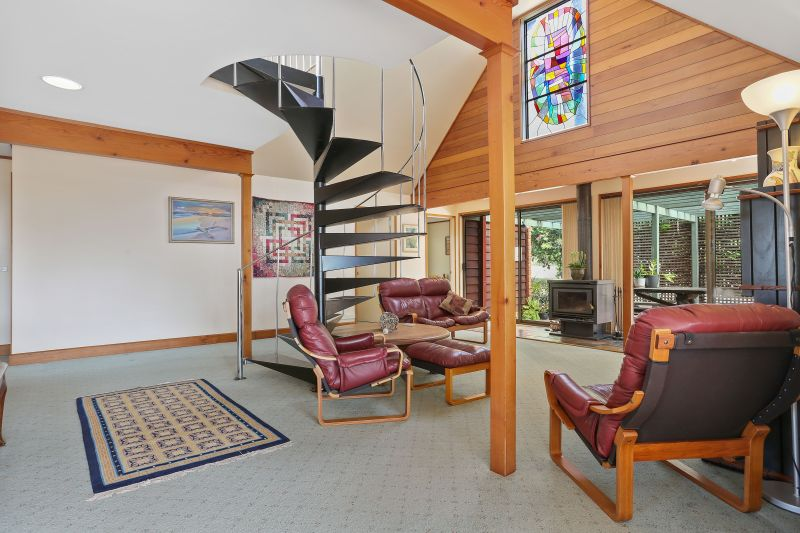 For Sale By Owner: 21 Golf Circuit, Tura Beach, NSW 2548