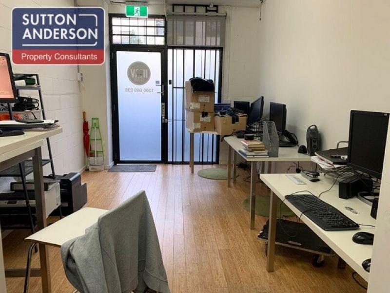 Office/Warehouse In Cul-De-Sac