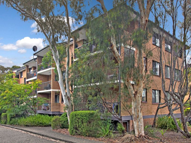 Tastefully Renovated Top Floor Apartment in a Convenient Location.