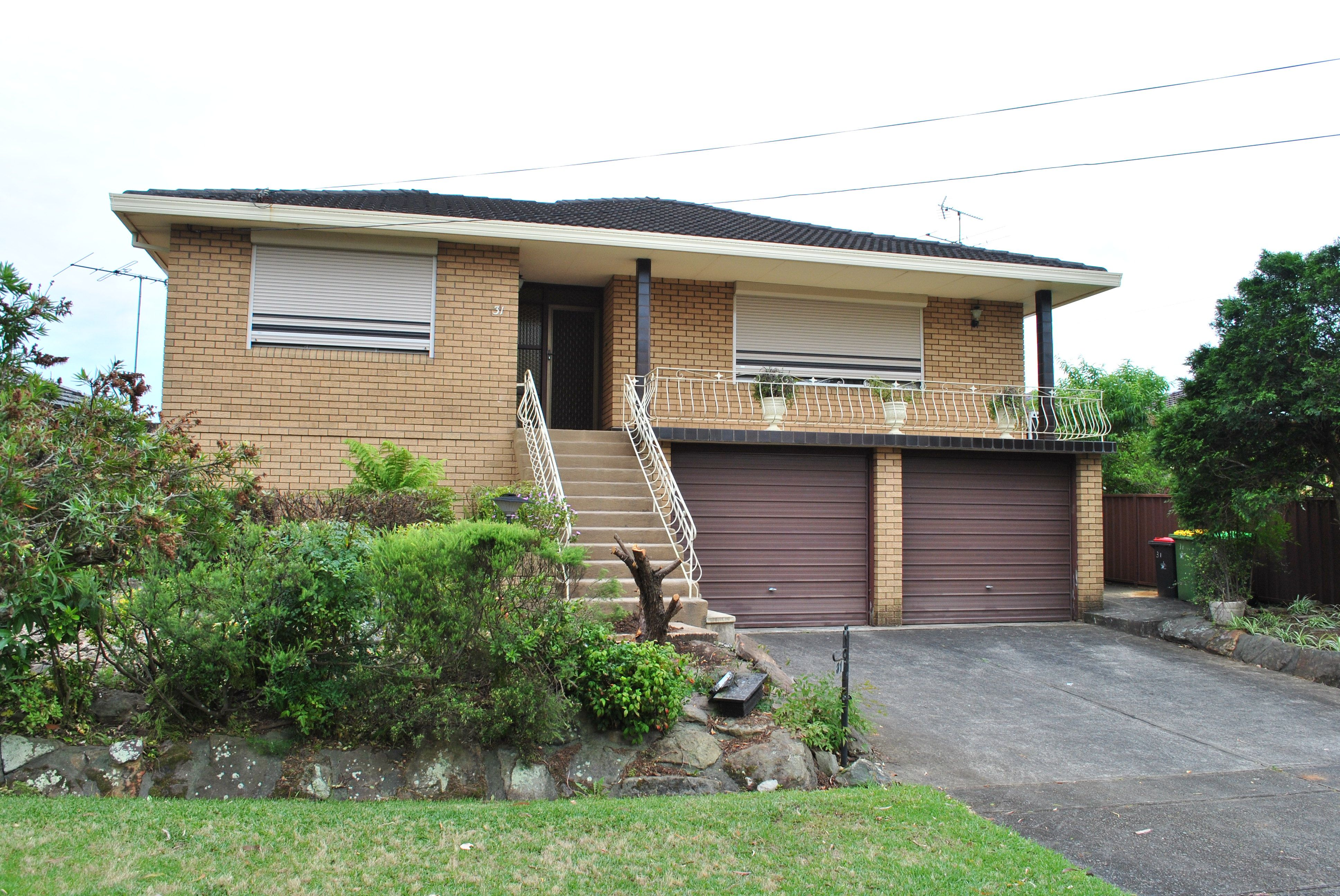 31 Lincoln Road, Georges Hall NSW 2198